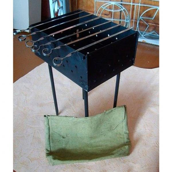 Мангал складной в комплекте с 6 шампурами